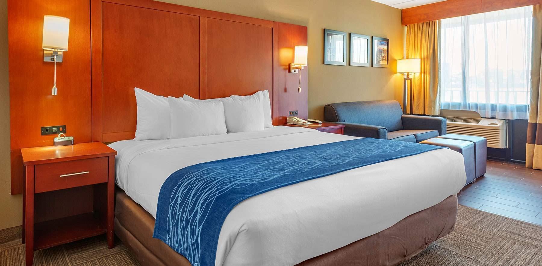 Comfort Inn Edgewater On Hudson River Home
